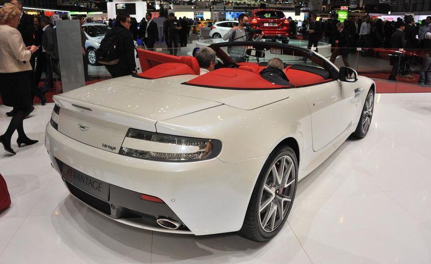 Aston Martin V8 Vantage roadster - Slide 1