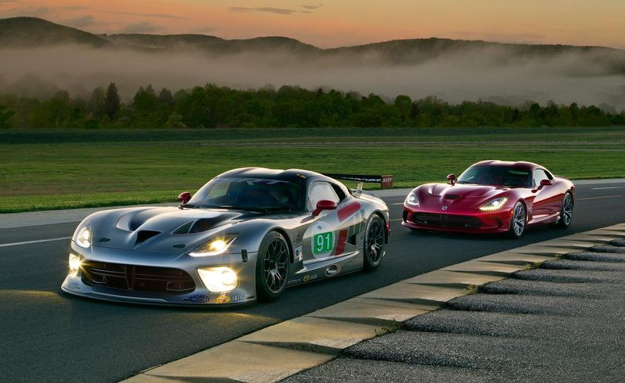 SRT Motorsports Viper GTS-R - Slide 18