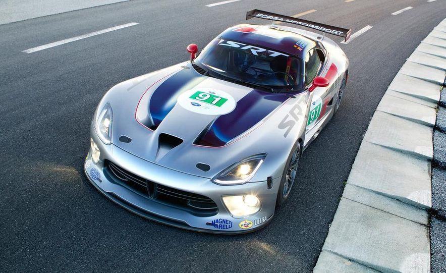 SRT Motorsports Viper GTS-R - Slide 13