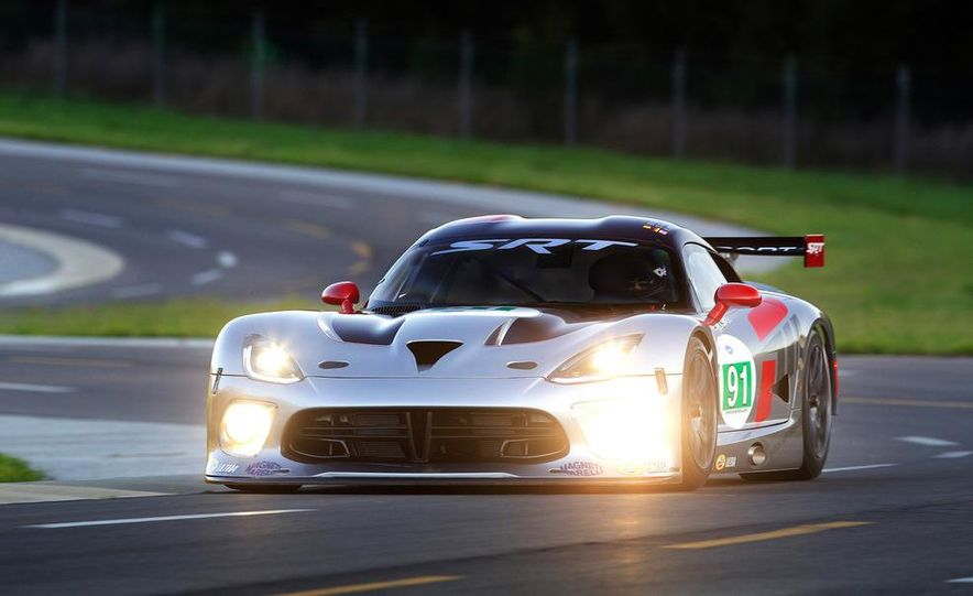 SRT Motorsports Viper GTS-R - Slide 14