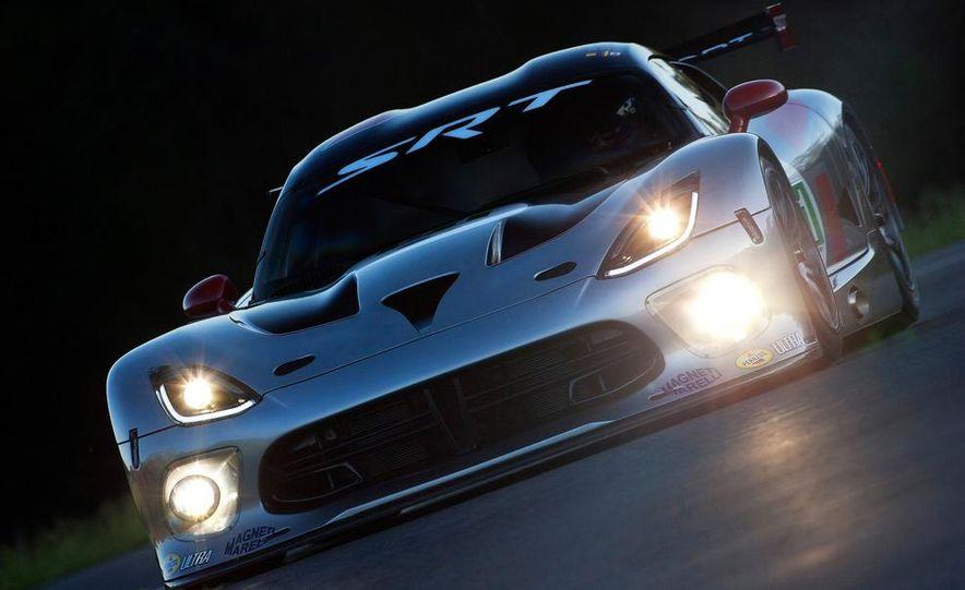 SRT Motorsports Viper GTS-R - Slide 15