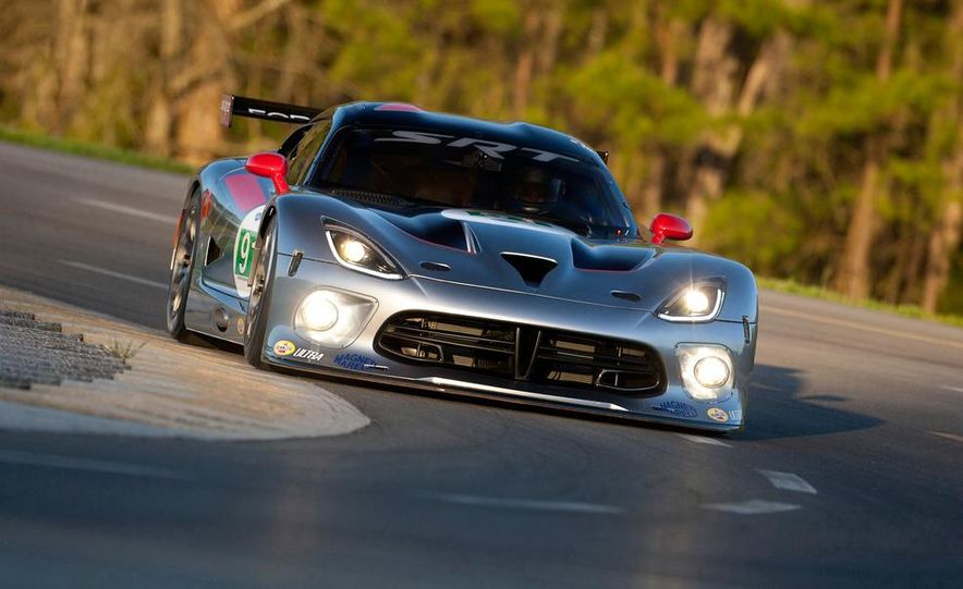 SRT Motorsports Viper GTS-R - Slide 16