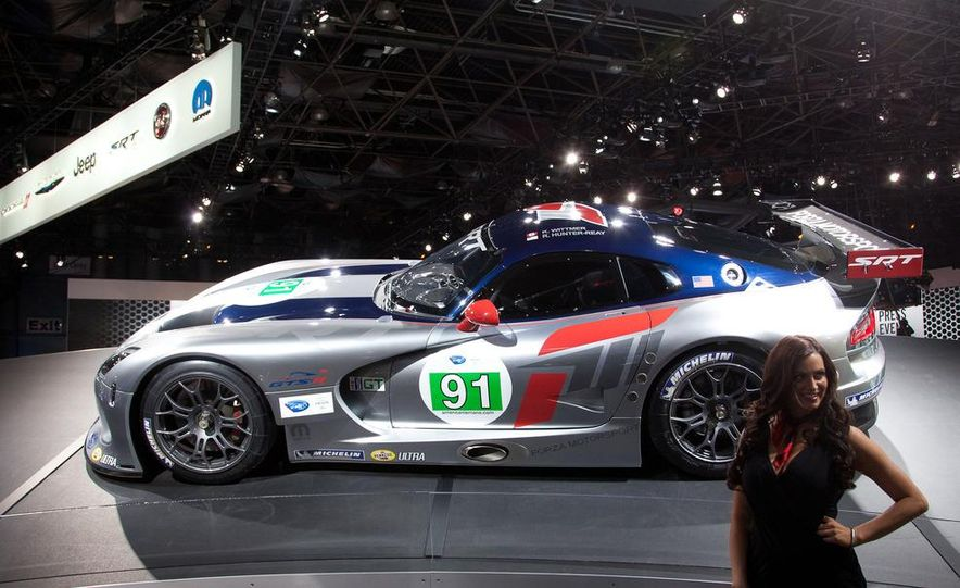 SRT Motorsports Viper GTS-R - Slide 5
