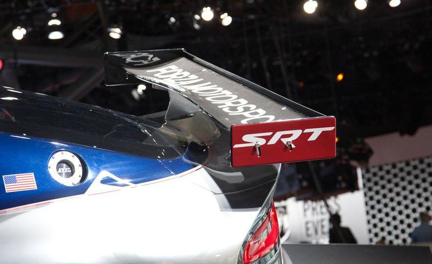 SRT Motorsports Viper GTS-R - Slide 10