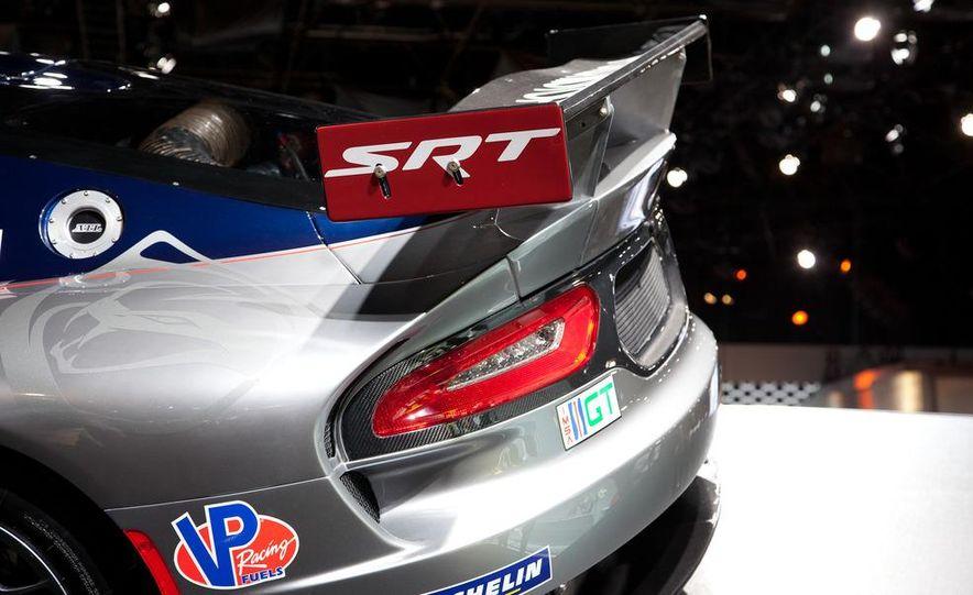 SRT Motorsports Viper GTS-R - Slide 11