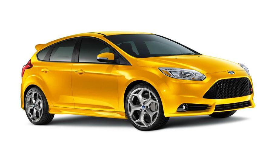 2013 Ford Focus ST wagon (test mule) - Slide 10