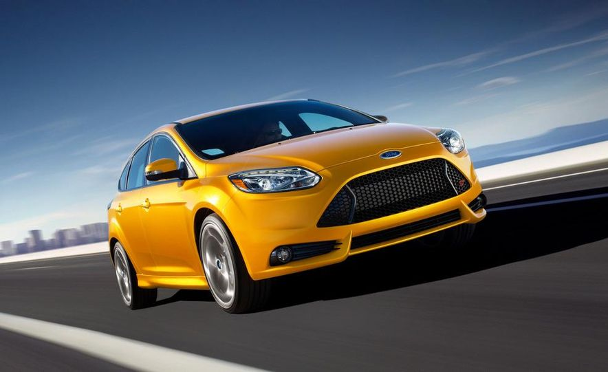 2013 Ford Focus ST wagon (test mule) - Slide 11
