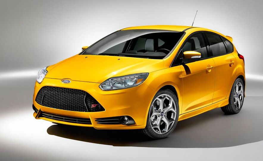 2013 Ford Focus ST wagon (test mule) - Slide 12