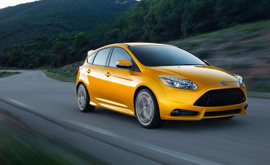 2013 Ford Focus ST wagon (test mule) - Slide 14