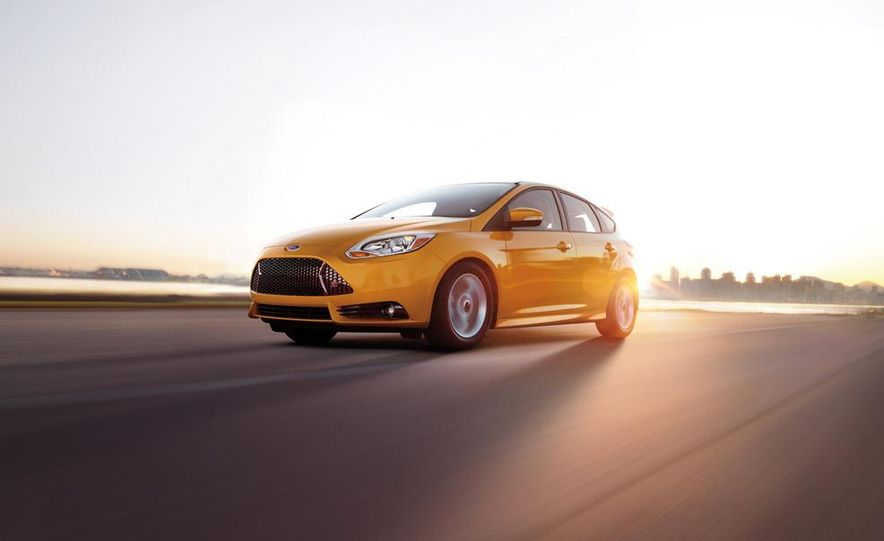 2013 Ford Focus ST wagon (test mule) - Slide 16
