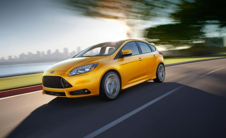 2013 Ford Focus ST wagon (test mule) - Slide 17
