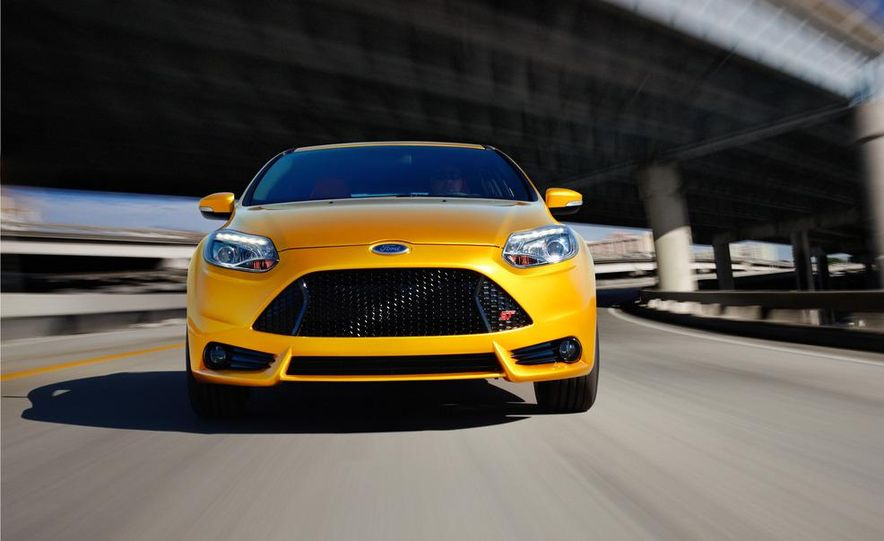 2013 Ford Focus ST wagon (test mule) - Slide 19