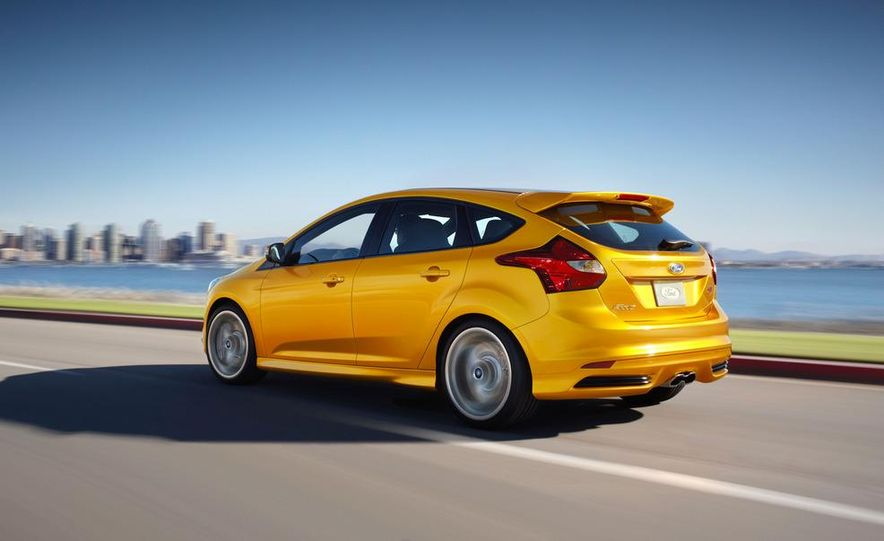 2013 Ford Focus ST wagon (test mule) - Slide 21