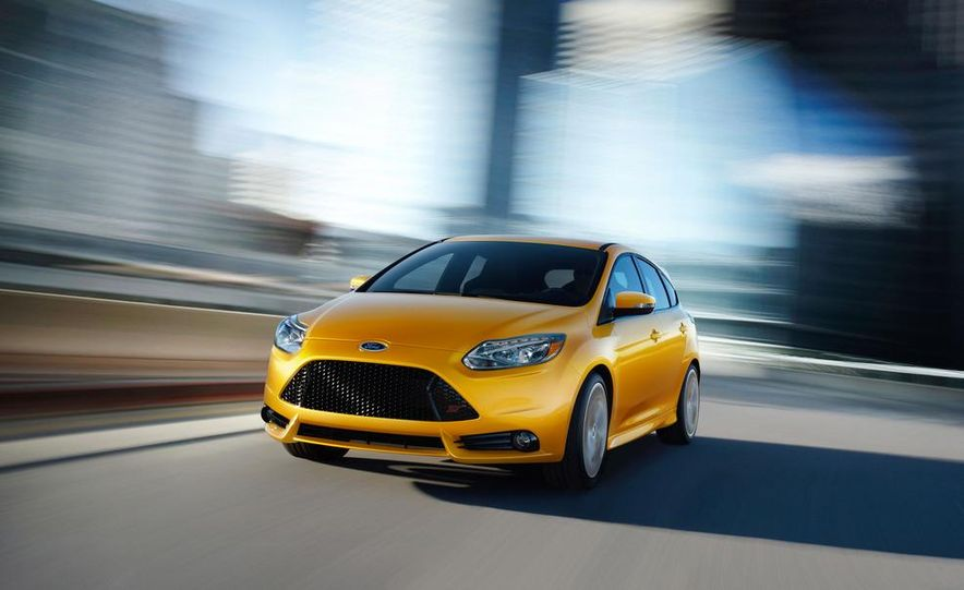 2013 Ford Focus ST wagon (test mule) - Slide 22