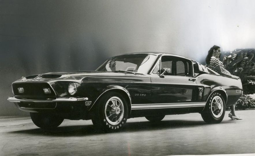 1967 Ford Mustang Shelby GT 500 - Slide 1