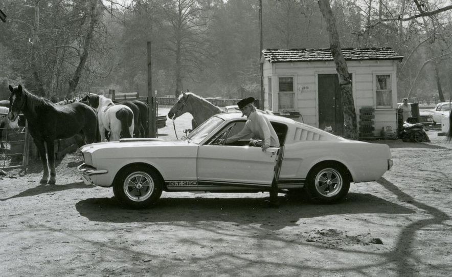 1965 Ford Mustang Shelby GT350 - Slide 2