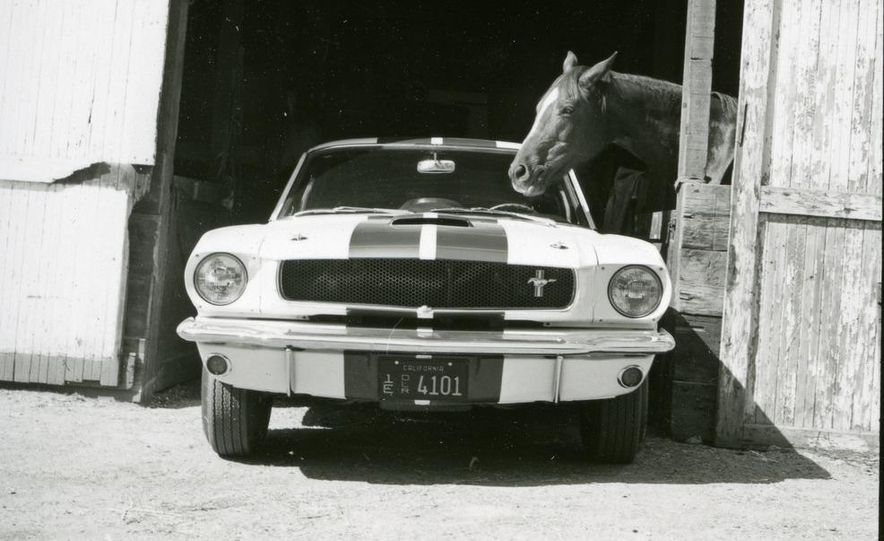 1965 Ford Mustang Shelby GT350 - Slide 3