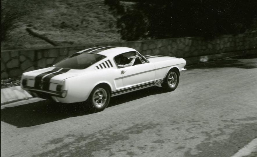 1965 Ford Mustang Shelby GT350 - Slide 7
