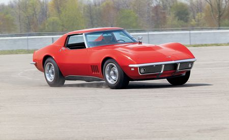 1968 Ford Mustang Shelby GT500KR vs. 1968 Chevrolet Corvette 427