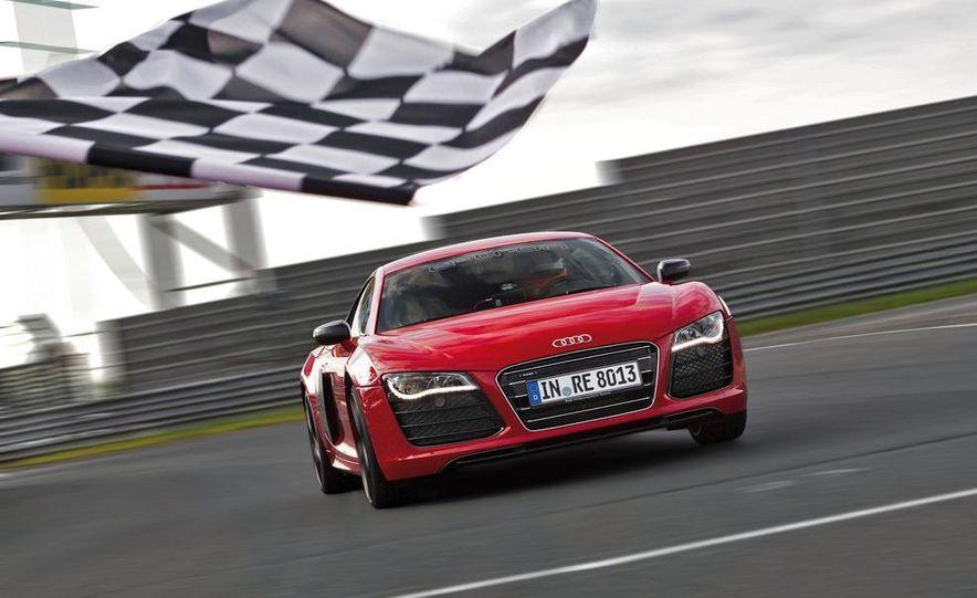 Audi R8 e-tron - Slide 4