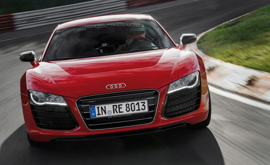 Audi R8 e-tron - Slide 5