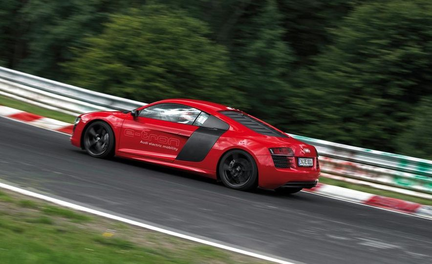 Audi R8 e-tron - Slide 10