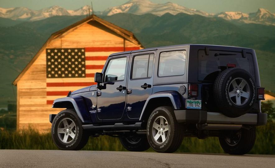 2012 Jeep Wrangler Freedom Edition - Slide 2
