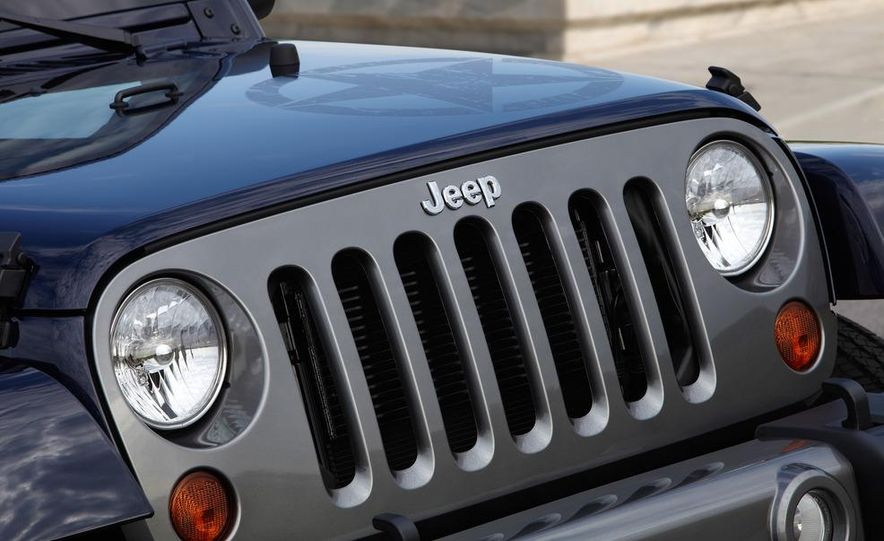 2012 Jeep Wrangler Freedom Edition - Slide 8