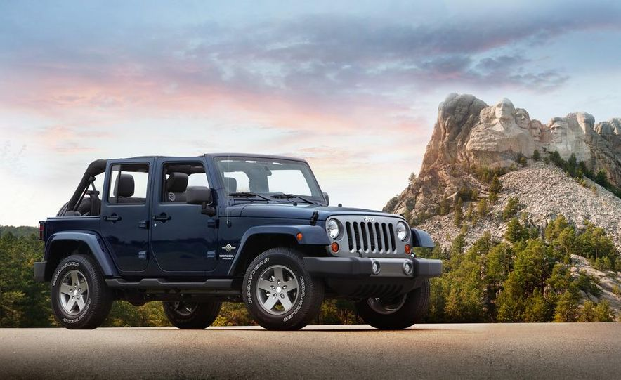 2012 Jeep Wrangler Freedom Edition - Slide 5