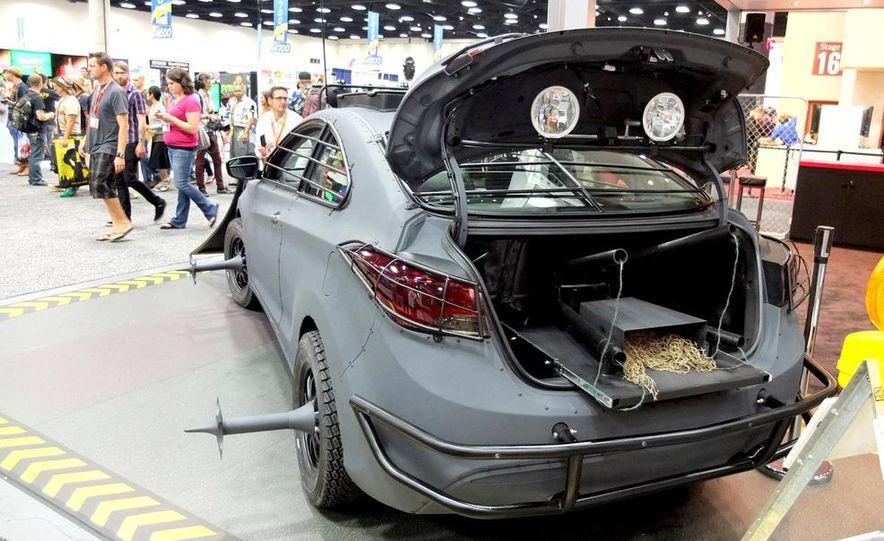 2013 Hyundai Elantra Coupe Zombie Survival Edition - Slide 4