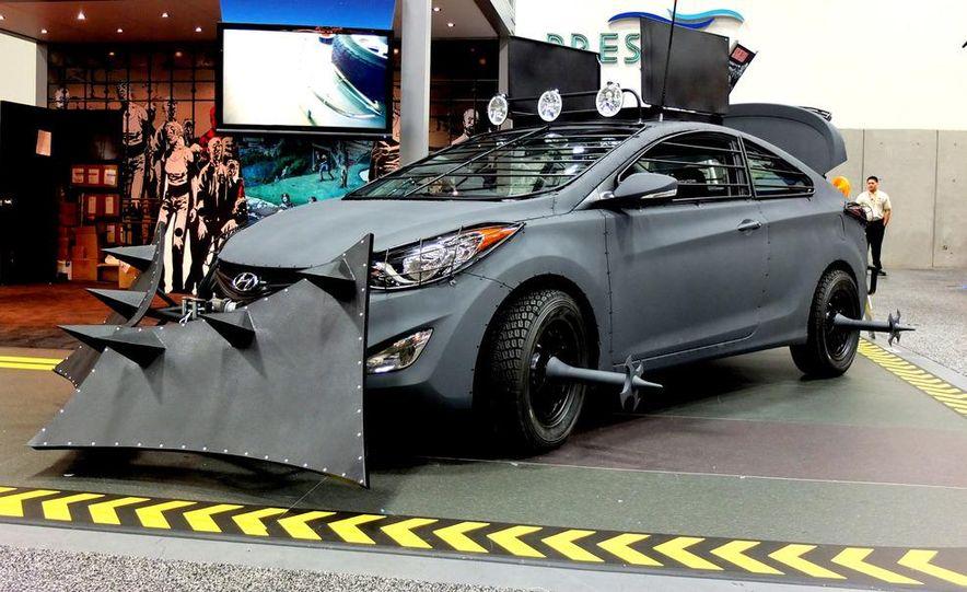 2013 Hyundai Elantra Coupe Zombie Survival Edition - Slide 6