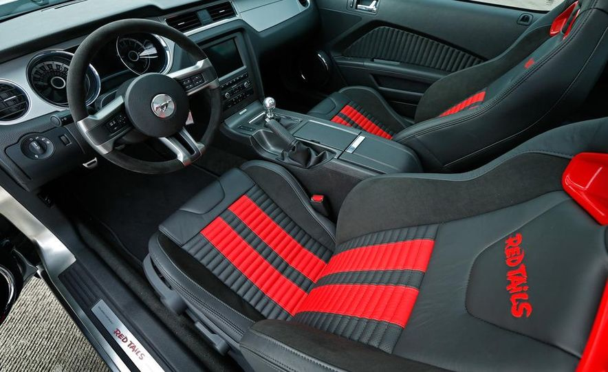 Red Tails Edition Mustang GT interior - Slide 16
