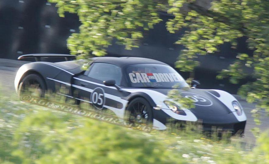 2014 Porsche 918 Spyder with Martini Racing livery - Slide 17