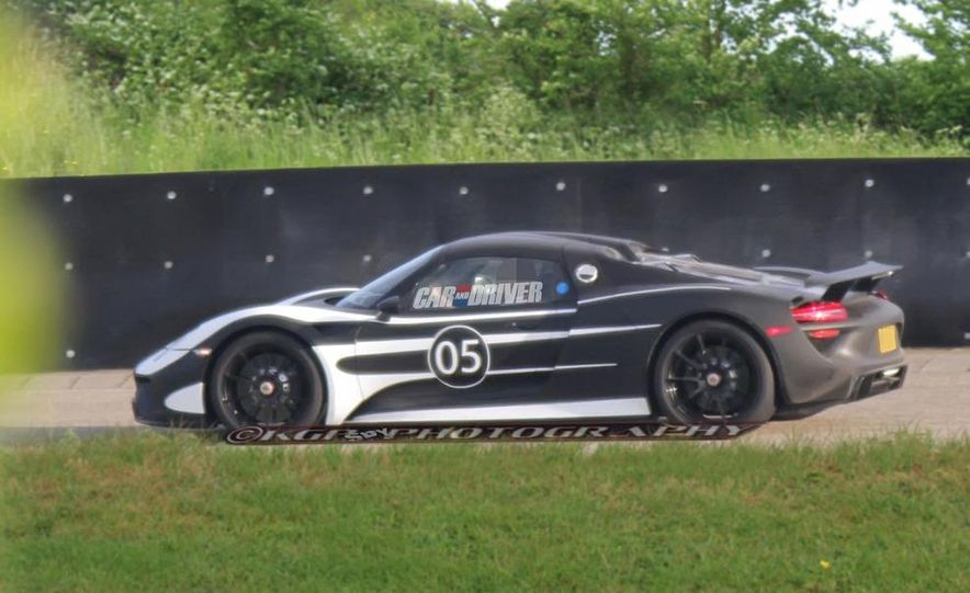 2014 Porsche 918 Spyder with Martini Racing livery - Slide 20