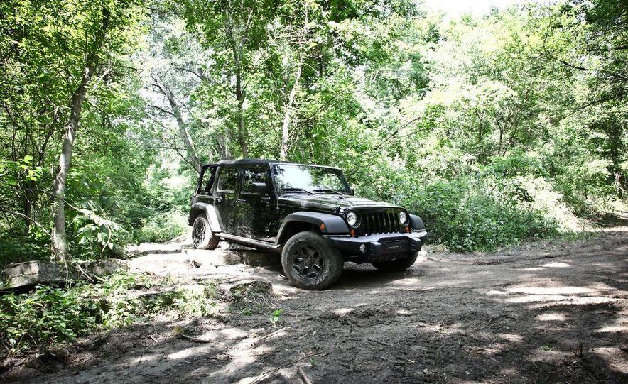 2013 Jeep Wrangler Unlimited Moab Edition - Slide 2