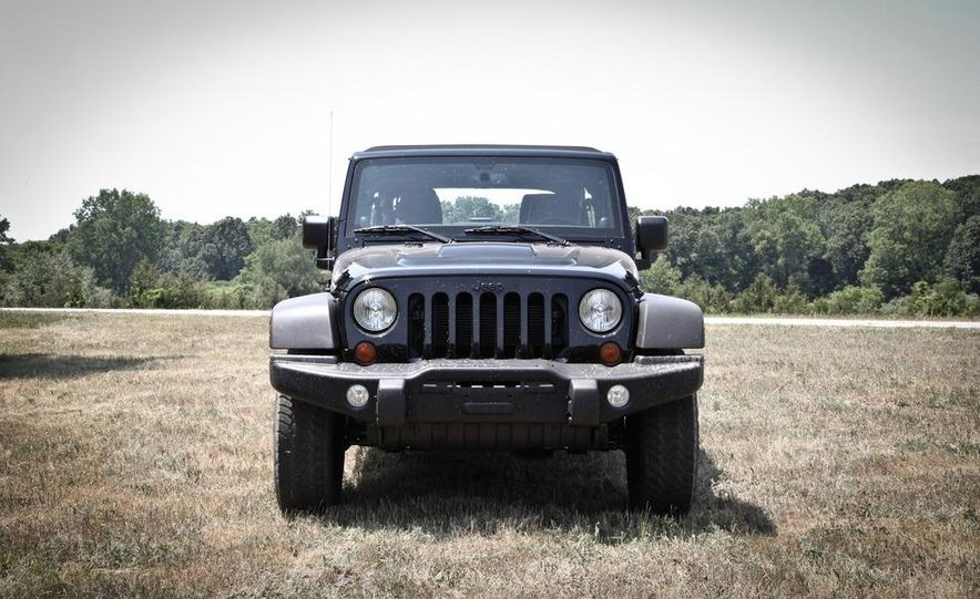 2013 Jeep Wrangler Unlimited Moab Edition - Slide 3