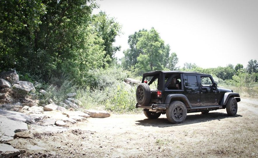 2013 Jeep Wrangler Unlimited Moab Edition - Slide 12