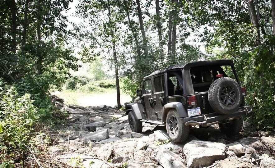 2013 Jeep Wrangler Unlimited Moab Edition - Slide 13