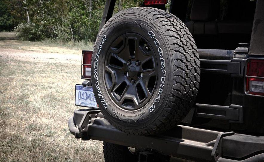 2013 Jeep Wrangler Unlimited Moab Edition - Slide 18