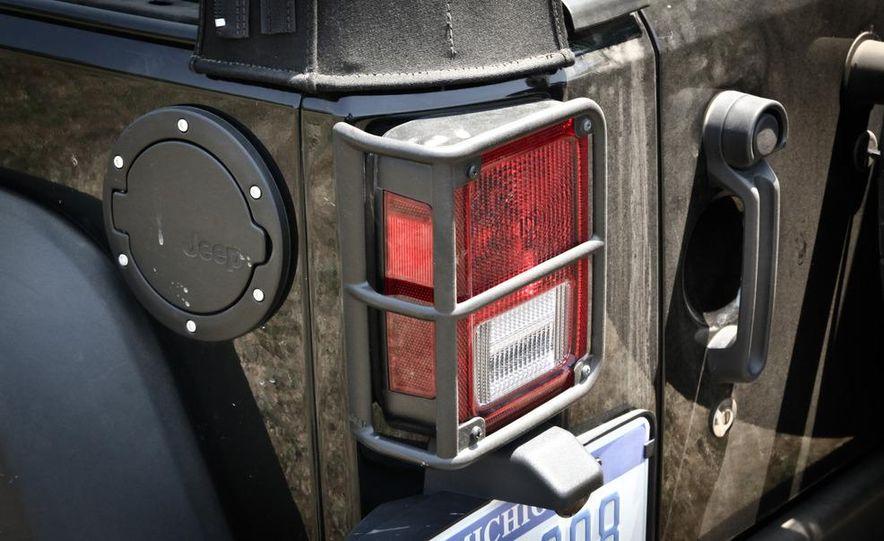 2013 Jeep Wrangler Unlimited Moab Edition - Slide 19