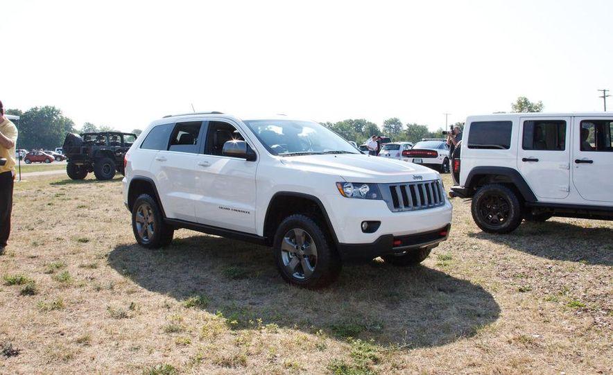 2013 Jeep Grand Cherokee Trailhawk - Slide 5