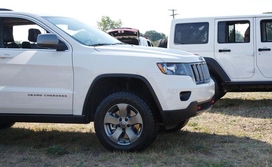2013 Jeep Grand Cherokee Trailhawk - Slide 8