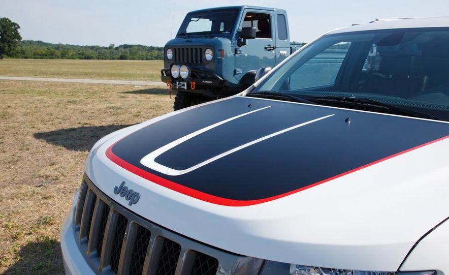 2013 Jeep Grand Cherokee Trailhawk - Slide 9
