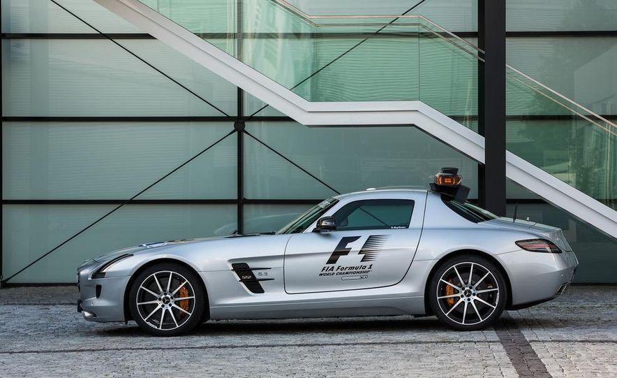 Mercedes-AMG SLS AMG GT Formula 1 Safety Car - Slide 1