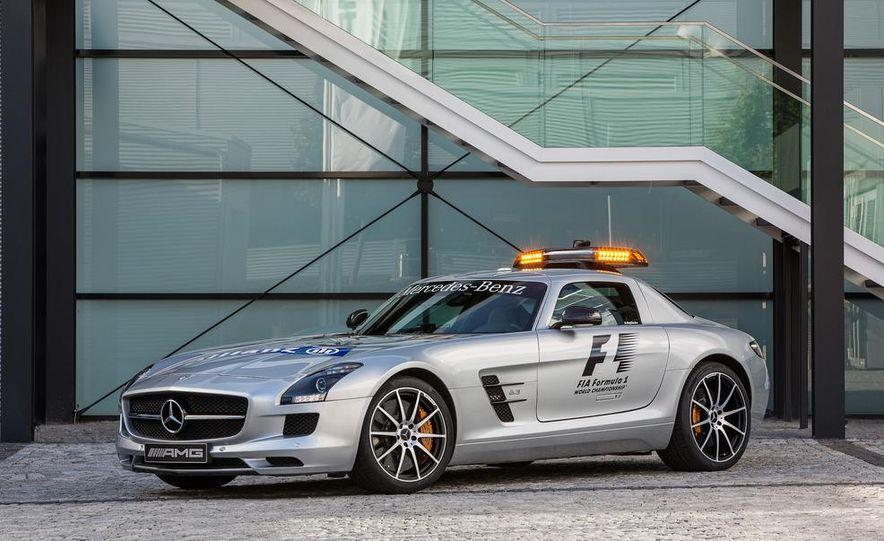 Mercedes-AMG SLS AMG GT Formula 1 Safety Car - Slide 2