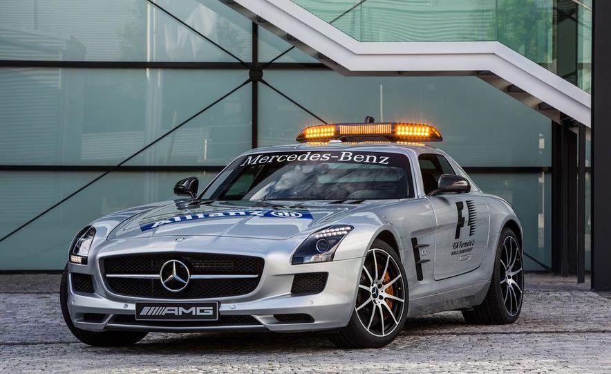Mercedes-AMG SLS AMG GT Formula 1 Safety Car - Slide 3