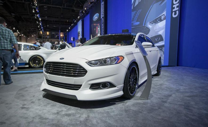2013 Ford Fusion SE Euro Series by 3dCarbon - Air Design - Slide 1