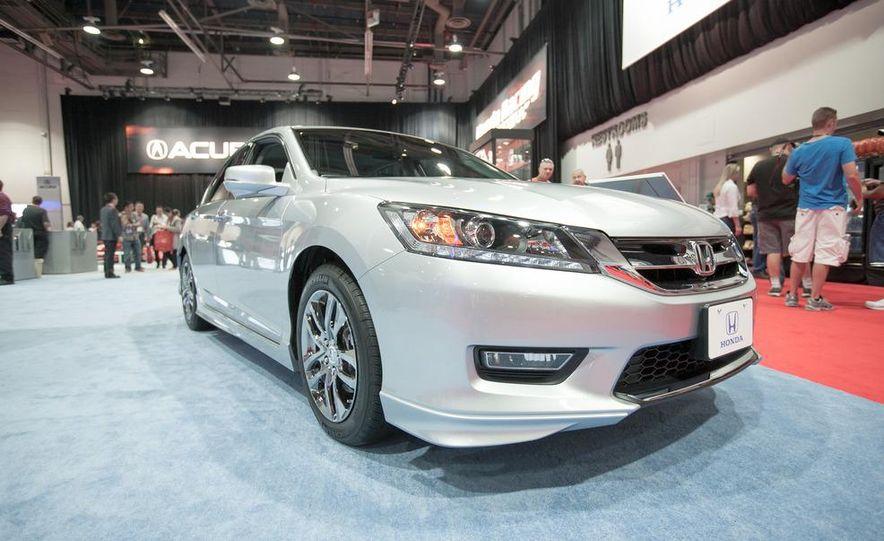 2013 Honda Accord HFP coupe - Slide 4