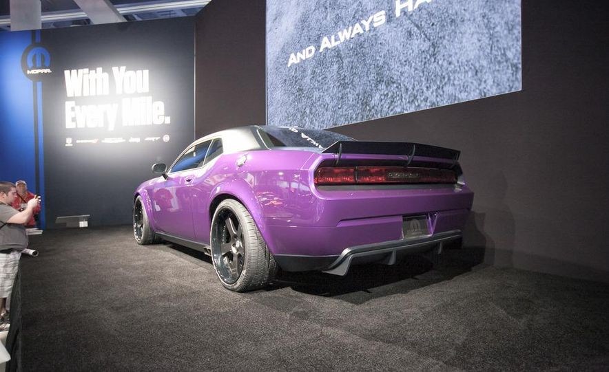 Jeff Dunham Project UltraViolet Dodge Challenger SRT8 - Slide 4