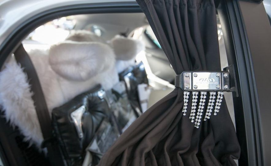 Swarovski Crystal Lexus CT200h - Slide 8